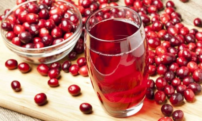 Pse është i mirë për shëndetin lëngu i boronicës së kuqe